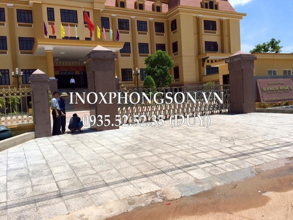 Cổng Xếp chạy Điện ở Tòa án Nhân dân tỉnh Quảng Trị