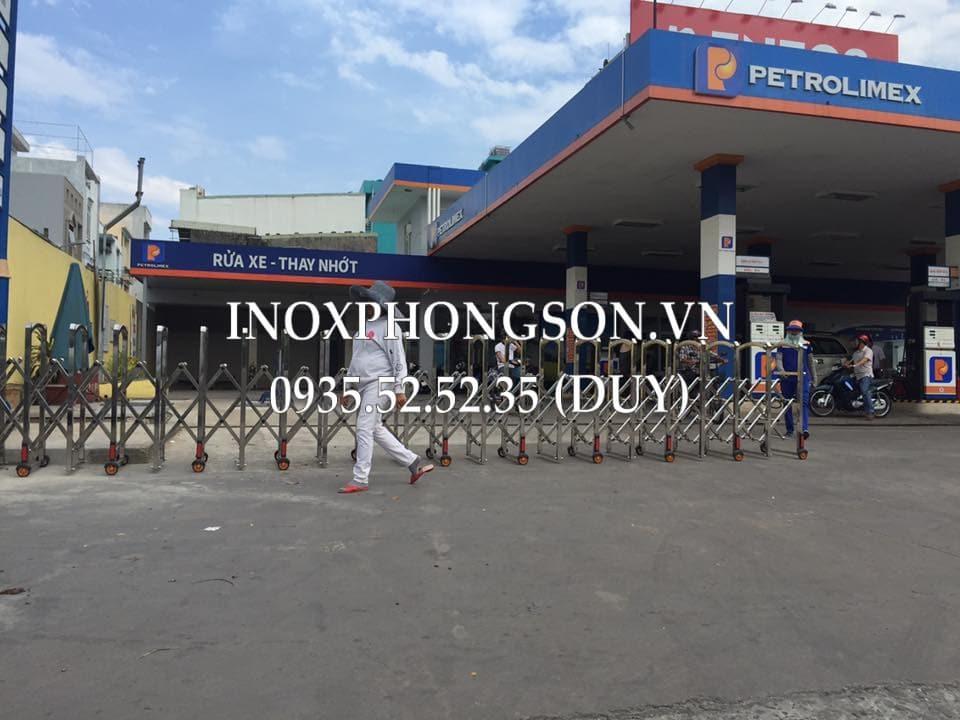 Lắp đặt Cổng xếp cho Hệ thống Trạm xăng Petrolimex số 7 - Nguyễn Văn Linh, Đà Nẵng