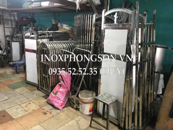Cổng xếp inox có sẵn tại Công ty